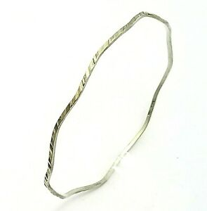 Vintage Italian Hallmarked Sterling Silver Wavy Oval Bangle