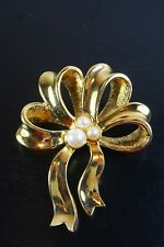 VINTAGE  GOLD TONE PEARL IMITATION AVON BOW BROOCH