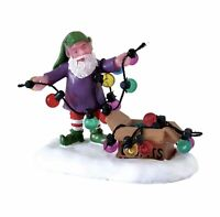 Lemax Village Collection UNTANGLING THE LIGHTS #72551 BNIP Christmas Figurine
