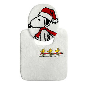 NWT Peanuts Be Merry 2-Piece Toilet Cover and Contour Rug Set in Red