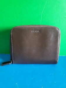 Auth Vintage Prada Brown Leather Bifold Zip Around Wallet Made in Italy