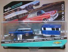Maisto Design Tow & Go 1962 CHEVROLET BISCAYNE WAGON / ALAMEDA TRAILER blue