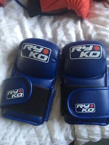 MMA Gloves Blue sparring UFC Approx 4oz Brand New