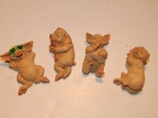 Pig figures. Pigtail ornaments. Four Pigtails, collectable group.