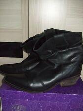 Ladies Black Leather Boots  Size 7 7.5 EEE Cuban Heel