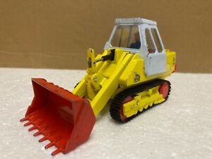 1/35 scale Corgi 1110 JCB 110B tracked crawler loader 1970's