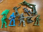 Vintage Revolutionary War and Old Green Army Figures Lot Of Plastic Figures