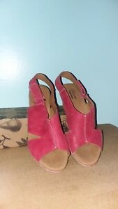 Clarks Red Cork Wedge Sandal Size 7