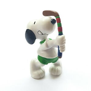 Figurine Schleich Snoopy Peanuts United Features Plays to the / Of Cricket