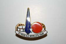 1939 New York World's Fair CLOISONNE Trylon Perisphere Metal Brooch LAPEL PIN