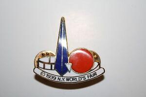 1939 New York World's Fair CLOISONNE Trylon Perisphere Metal Brooch LAPEL PIN
