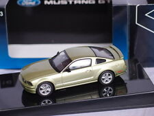 AUTO ART FORD MUSTANG GT 2005 LEGEND LIME 1:43