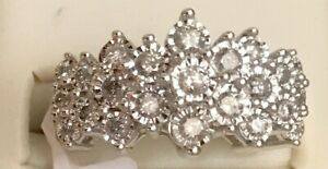 BEAUTIFUL!! 10K WHITE GOLD 1.0ct DIAMOND PYRAMID CLUSTER RING
