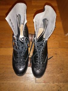 """Vintage BETTY LYTLE """"Styled by HYDE"""" Capped Toe Roller Skates Size 9 1/2"""