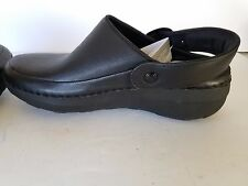 NEW FitFlop Superlight Clog Black Leather Size 6 $125 gogh pro?