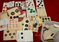 Lot of mixed vintage buttons, most on cards