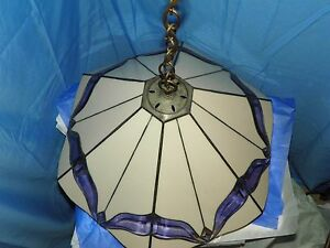 TIFFANY STYLE PINK STAINED GLASS WITH AMBER GLASS PATTERN HANGING 4 BULB CHANDEL