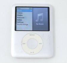 New ListingApple 4Gb iPod Nano - 3rd Generation - Silver - Mb245Ll / A1236