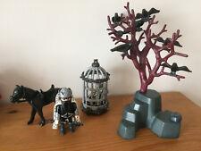 playmobil moyen âge le roi corbeau, arbre branches, cage prisonnier squelette