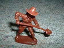 Atlantic 1/32  Gold Rush set - Prospector shovelling  Lot 1