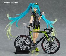 Max Factory figma Racing Miku 2015: TeamUKYO Support ver.