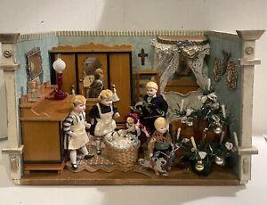 Antique German Victorian Xmas Childs Bedroom Room Box  W/ 6 German Dolls CUTE!!