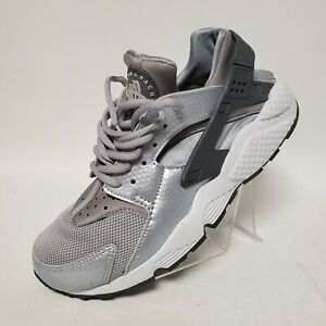 Nike Air Huarache Run Wolf Grey Dark Grey Womens Size 7.5 634835-014 Silver