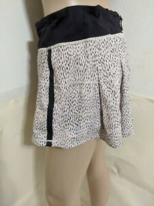 Lululemon ,Skirt/ Skort Size 10 Large, Mid Rise Multicolor