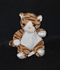 Peluche doudou chat tigre CP INTERNATIONAL brun rayé blanc 18 cm assis TTBE
