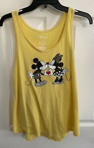 Disney Juniors Mickey Mouse and Minnie Kissing Family Fun L Size Yellow Tank Top