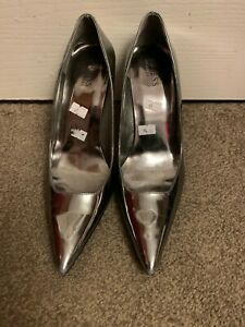 Guess Silver High Heels Ladies Women Shoes Size 5.5 (38.5) used