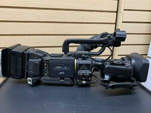 JVC GY-HD200 High Definition Mini DV Camcorder In Hardshell Case With Charger