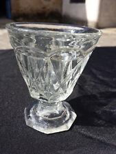 Ancien verre épais sur pied moulé, soufflé à facettes  19 siecles
