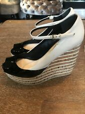 Gucci Black Patent Cream Leather Cork Wedge Shoes Size 5 Worn Twice