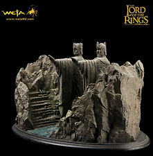 Weta Argonath statue Lord of the Rings 418/500 Rare Sideshow