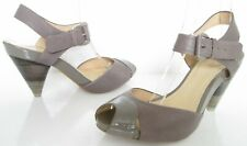 CLARKS SIZE 6 WOMANS BEIGE TAUPE STRAPPY ANKLE STRAPS PEEPTOES SANDALS SHOES