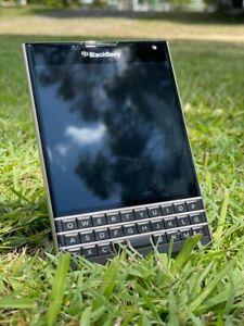 Blackberry Passport SQW100-1 Black 32GB Smartphone *UNLOCKED*