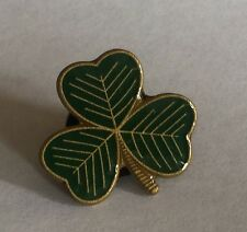 25 SHAMROCK  PIN BADGES - (LUCKY IRISH SHAMROCK PIN BADGE)