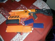 DEMOLISHER NERF GUN DOUBLE CLIP  WITH 2 NEW PACKS OF NEW BULLETS DARTS
