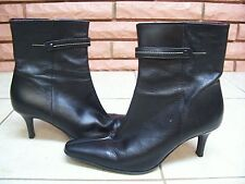 BCBG PARIS BLACK LEATHER ANKLE BOOTS SIZE 5 1/2 B