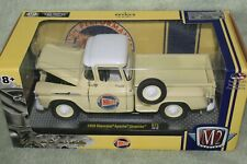 M2 MACHINES 1/24 Diecast 1958 Chevy Apache Stepside Holley Limited