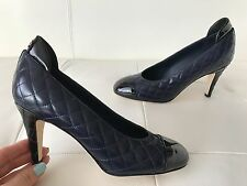 2016 CHANEL NAVY/BLACK QUILTED CALFSKIN LEATHER CLASSIC PUMPS WITH CC LOGO 38.5