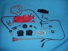 507A Lot various Toy old Plastic Metal Keyring Arrow