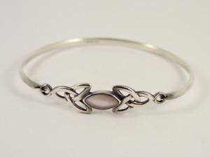 Mother of Pearl Celtic Bangle Sterling Silver Ladies Bracelet 925 9.6g Jr51