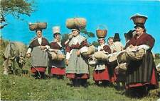 Cockle women of Penclawdd folk costumes