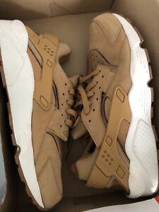 "Nike Huarache ""Flax Sail"" Mens Size 13"