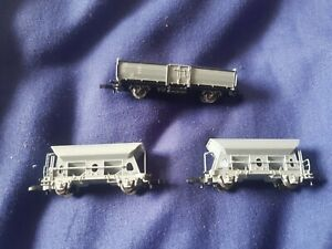 Marklin Mini-Club unboxed Z Gauge grey open wagons