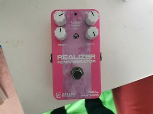 Keeley Realizer Reverb - Effects Pedal shoegaze modulated verb and delay loomer