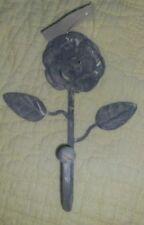 Solutions de rangement gris en métal pour la chambre