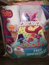 Trolls ~ 2-Piece Comforter Set Reversible Twin/Full Pillow Sham Love The Beat